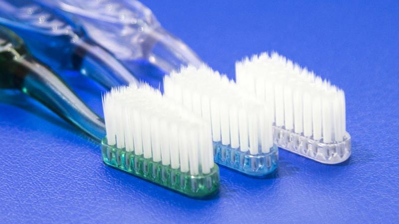 Bàn chải đánh răng khô với đầu lông mềm tơ mịn vệ sinh bạc - Ysilver
