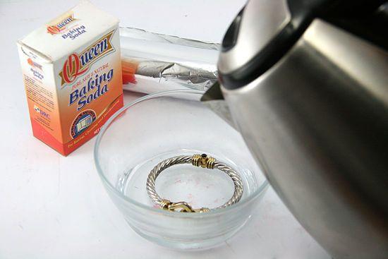 Dung dịch nước muối và soda làm sạch trang sức - Ysilver